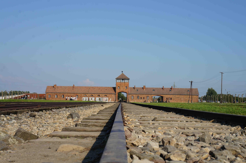 Tor des Vernichtungslagers